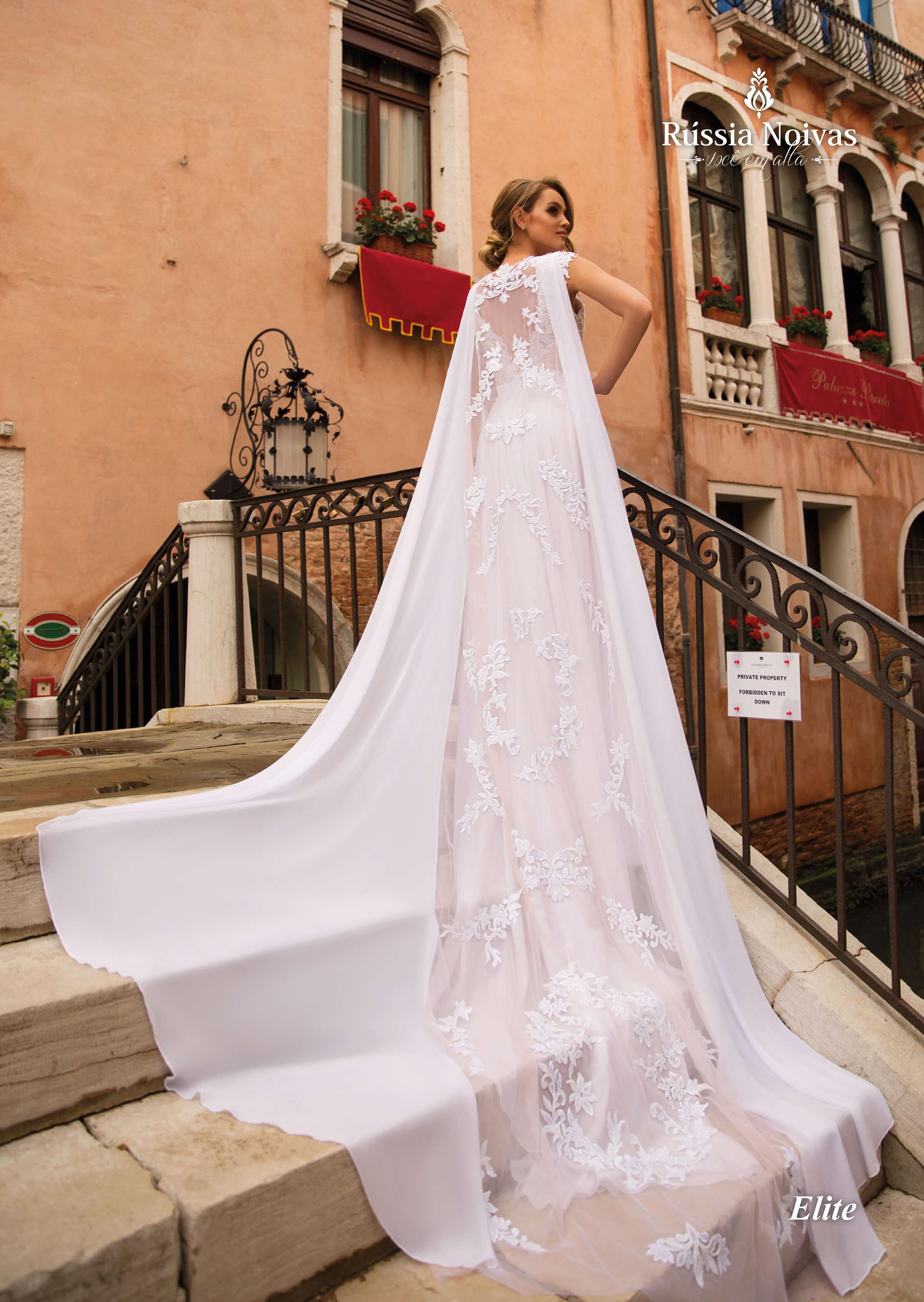 Vestido De Noiva Com Capa Do Moderno Ao Clássico